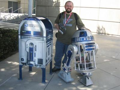 Chris and R2 - C4